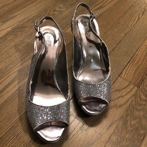 Nine West Silver Heels 👠 Dancing Shoes ❇️ 10M